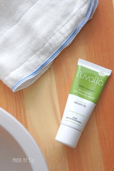 L'uvalla Certified Organic, Balancing Day/Night Cream