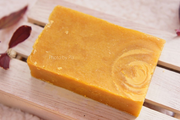 Sunfeather Soaps, Honey, Goat's Milk & Clover Bar Soap